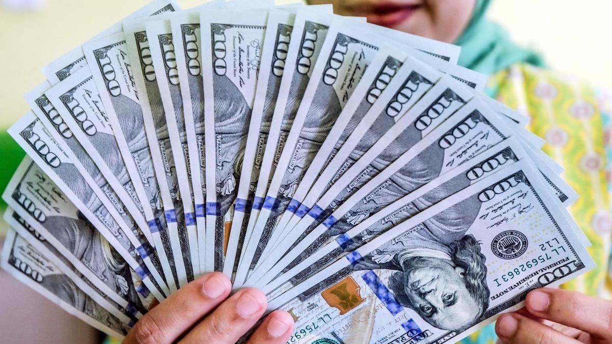 قیمت روز دلار / دلار در شیب ارزانی + جدول